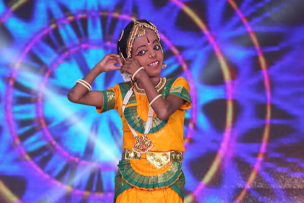 Welcome-Dance-by-our-children2-center