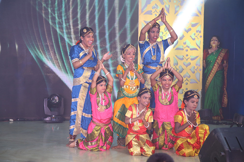 Welcome-Dance-by-our-children4
